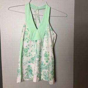 LULU Lemon top in mint green floral